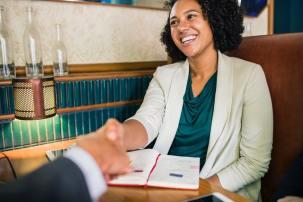 英語の自己紹介|ビジネスで好印象を与える方法【例文を覚えて使い回そう】