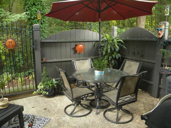 15 Fabulous Small Patio Ideas - Home and Gardening Ideas ... on Small Backyard Patio Ideas On A Budget id=75773