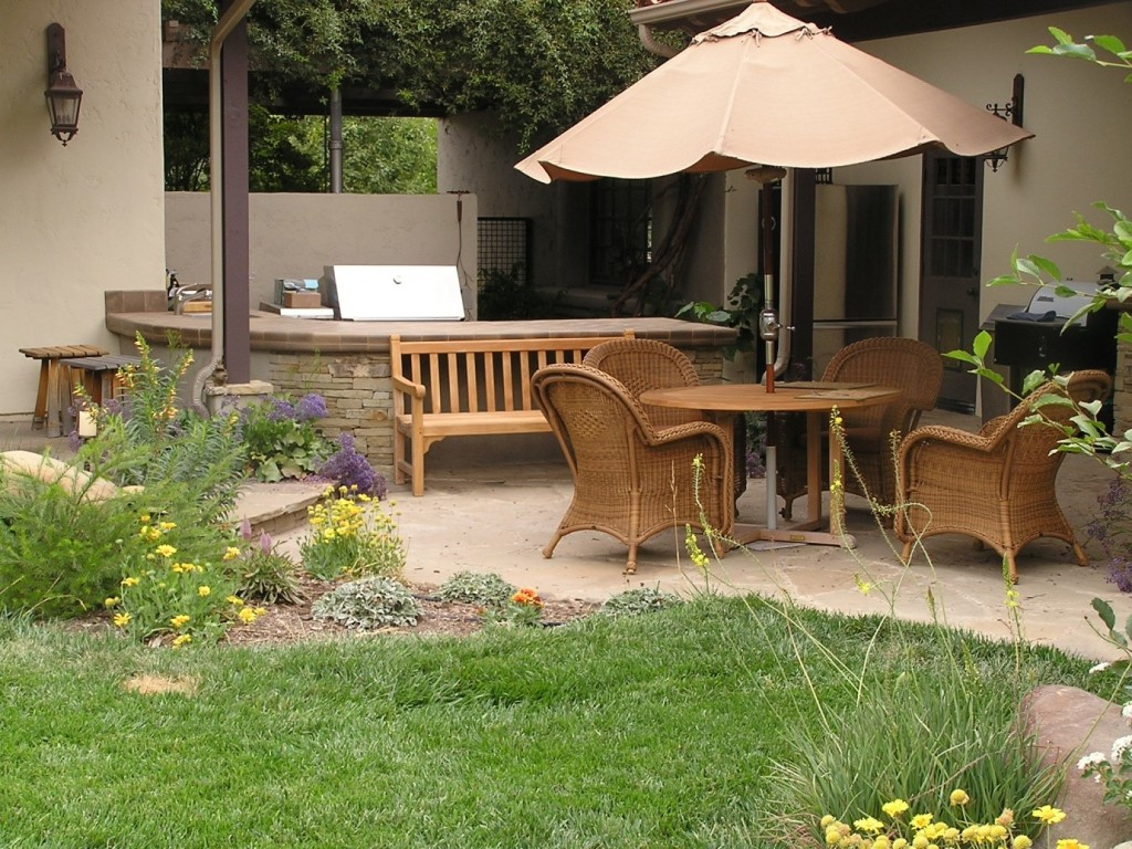 15 Fabulous Small Patio Ideas To Make Most Of Small Space ... on Backdoor Patio Ideas id=71876