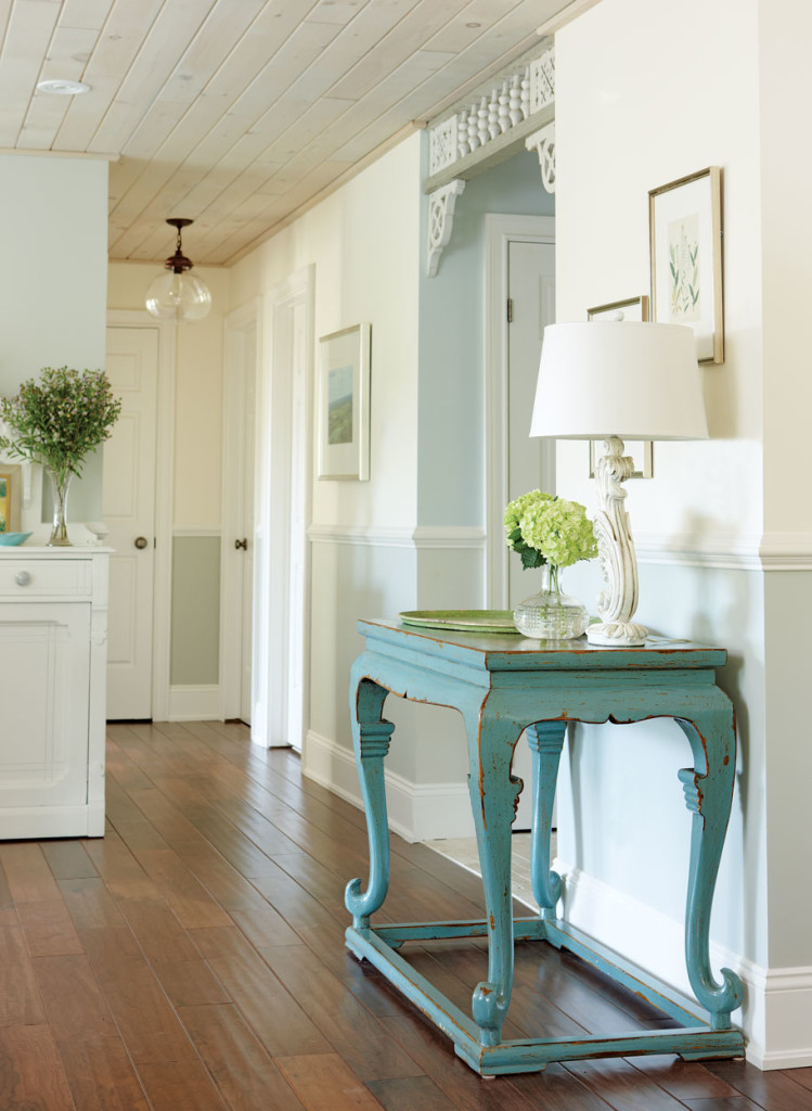 10 Stylish Hallway Decorating Ideas - Home and Gardening ... on Remodeling Ideas  id=88846