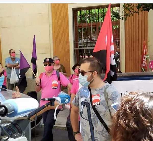 La HOAC muestra su  solidaridad con las trabajadoras y trabajadores subcontratados de PTIS (Personal Técnico de Integración Social) e ILSE (Intérpretes de Lengua de signos)