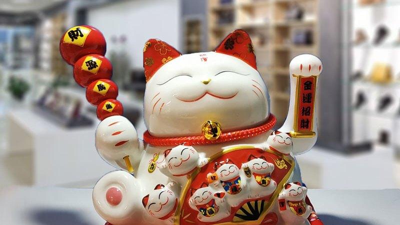 Mèo vẫy tay phong thủy