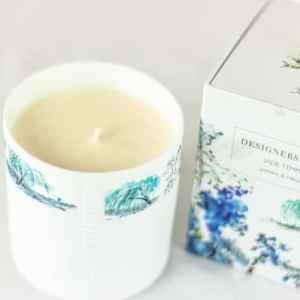 ✓Exklusive Duftöle ✓ Langanhaltendes Aroma ✓Hochwertige Duftkerzen im Glas von Designers Guild von oben