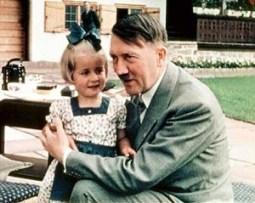 2016-Non, Angela MERKEL, n'est pas la fille d'A.Hitler-03
