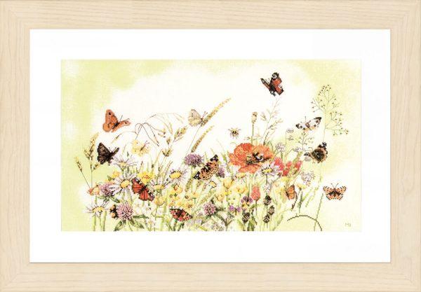 Lanarte Borduurpakket - Vlinders met bloemen