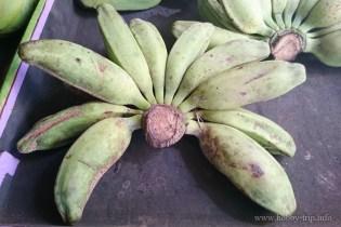 Малки банани пред улично магазинче в Кута, Бали