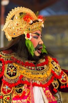 Изпълнител на танц Barong, Индонезия