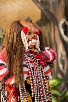 Изпълнител на традиционен танц - остров Бали