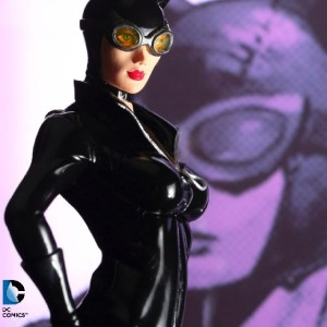 Tomopop Review: ARTFX+ Catwoman by Kotobukiya