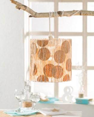 Lampe im Naturlook mit Korkpapier