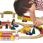 Conductor-Carl-100-Piece-Wooden-Train-Track-Town-Starter-Set-0-1