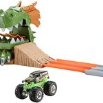Hot-Wheels-Monster-Jam-Dragon-Arena-Attack-Playset-0