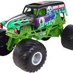Hot-Wheels-Monster-Jam-Giant-Grave-Digger-Truck-0