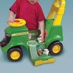 John-Deere-Sit-N-Scoot-Activity-Tractor-0-2