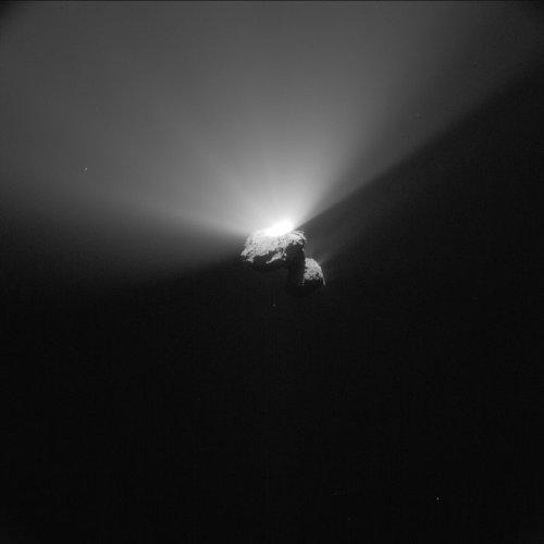 Comet_on_22_August_2015_NavCam_node_full_image_2[1]