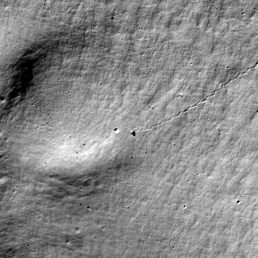 Boulder trail in Antoniadi crater