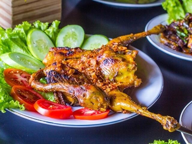 Usaha kuliner berbahan dasar daging ayam kampung super saat ini semakin banyak diminati dan ditekuni oleh masyarakat