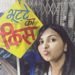 travel blogger at sarafa bazar indore selfie