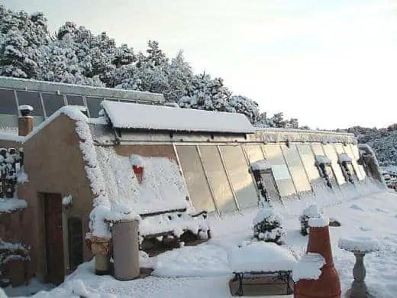 solar powered home earthship