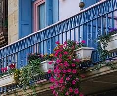 Ein Hochbeet auf dem Balkon