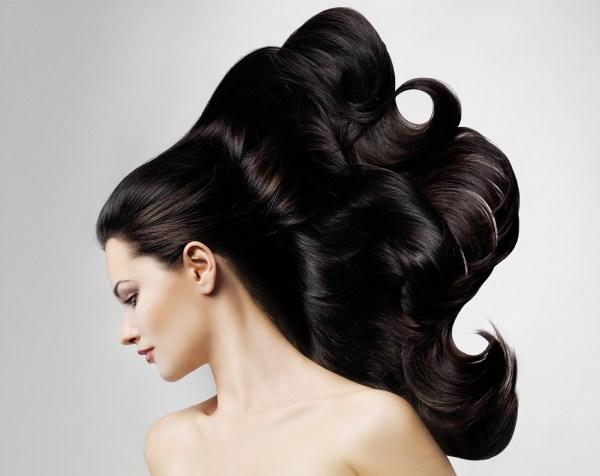 Какие витамины помогут укрепить волосы