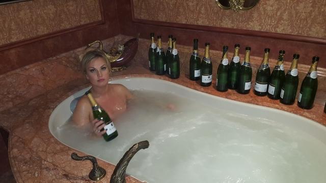 камалия ванная из шампанского