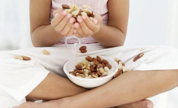 перекус орехи