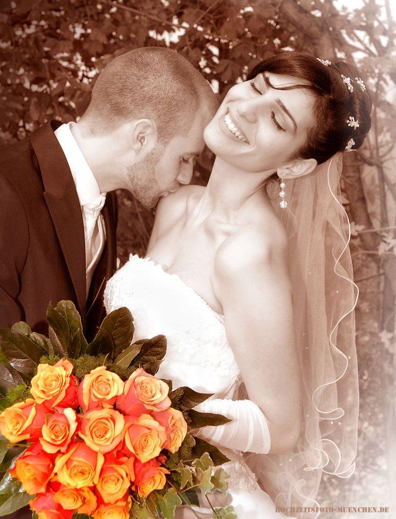 Kuss beim Hochzeitsshooting
