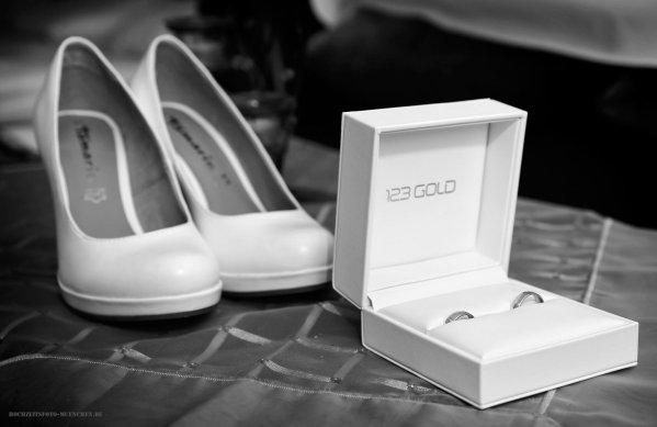 Trauringe und Brautschuhe