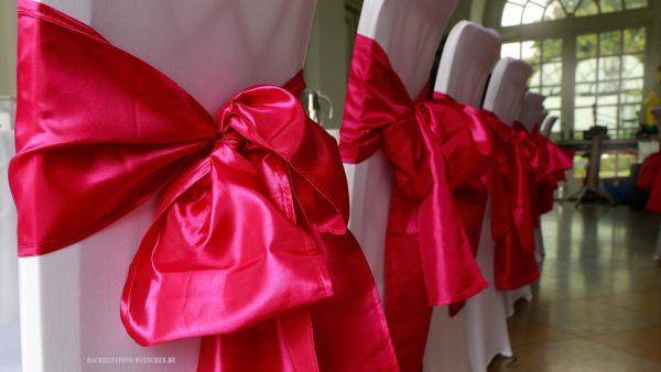 Deko für Hochzeitsstühle