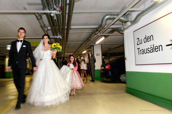 Hochzeitsreportage: Unterwegs zum Standesamt