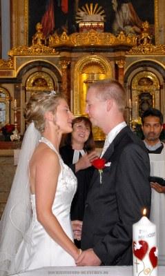 Kirchliche Trauung mit einer gerürten Pfarerin