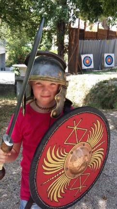Lina utklädd till romersk krigare