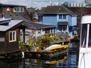 Des maisons sur le bord de l'eau ont agrémenté ma marche jusqu'au quartier Fremont.