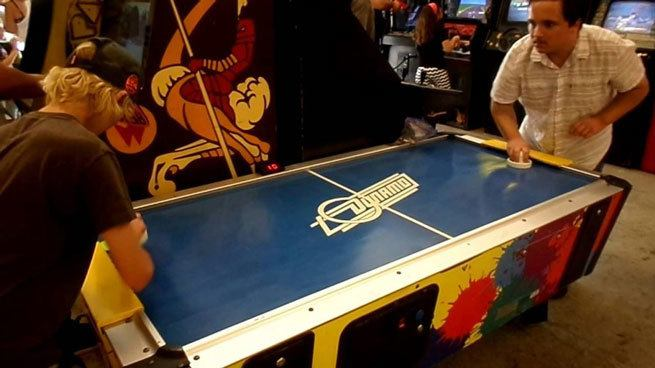 Air-Hockey-Rules-Competition-and-Stratos