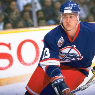 Selanne-Jets-2 Teemu Selanne Anaheim Ducks Colorado Avalanche San Jose Sharks Teemu Selanne Winnipeg Jets