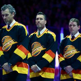 https-_thecanuckway.com_wp-content_uploads_getty-images_2017_07_468528290 Pavel Bure Florida Panthers Pavel Bure Vancouver Canucks