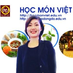 Cô Kiều Hương giảng viên học món Việt