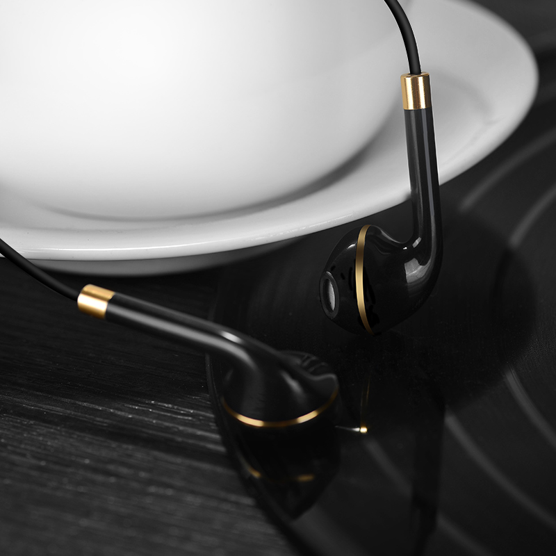 m1 original series earphone for apple black interior
