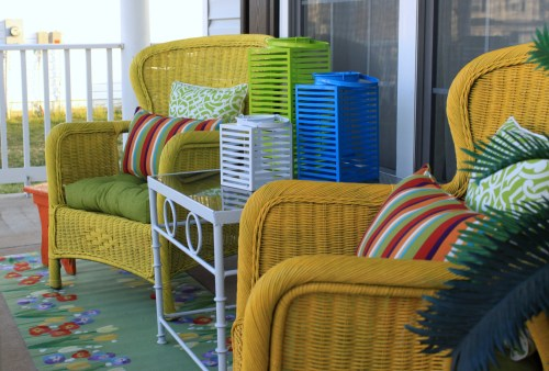 How to Add Pops of Colour to Your Home