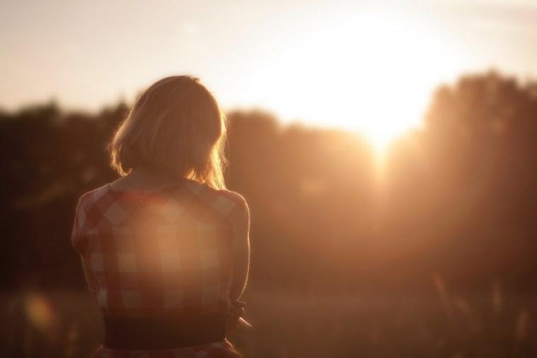 女性、朝日、日の出
