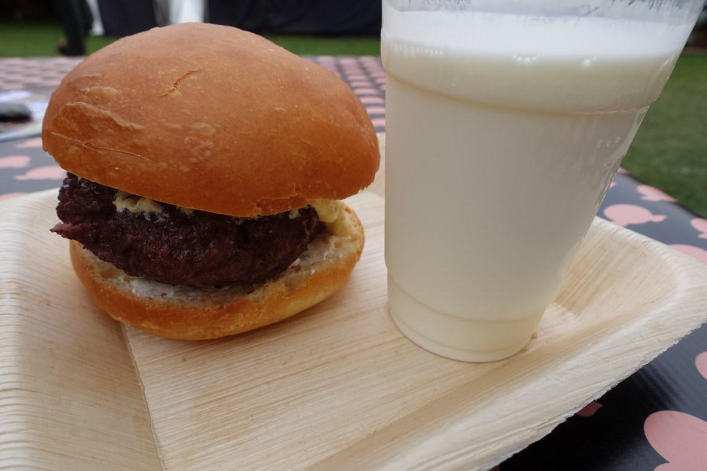 Bøfsandwich med fermenteret mælk