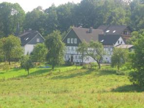Drolshagen-Essinghausen-Haus-Hund-3 Essinghausen