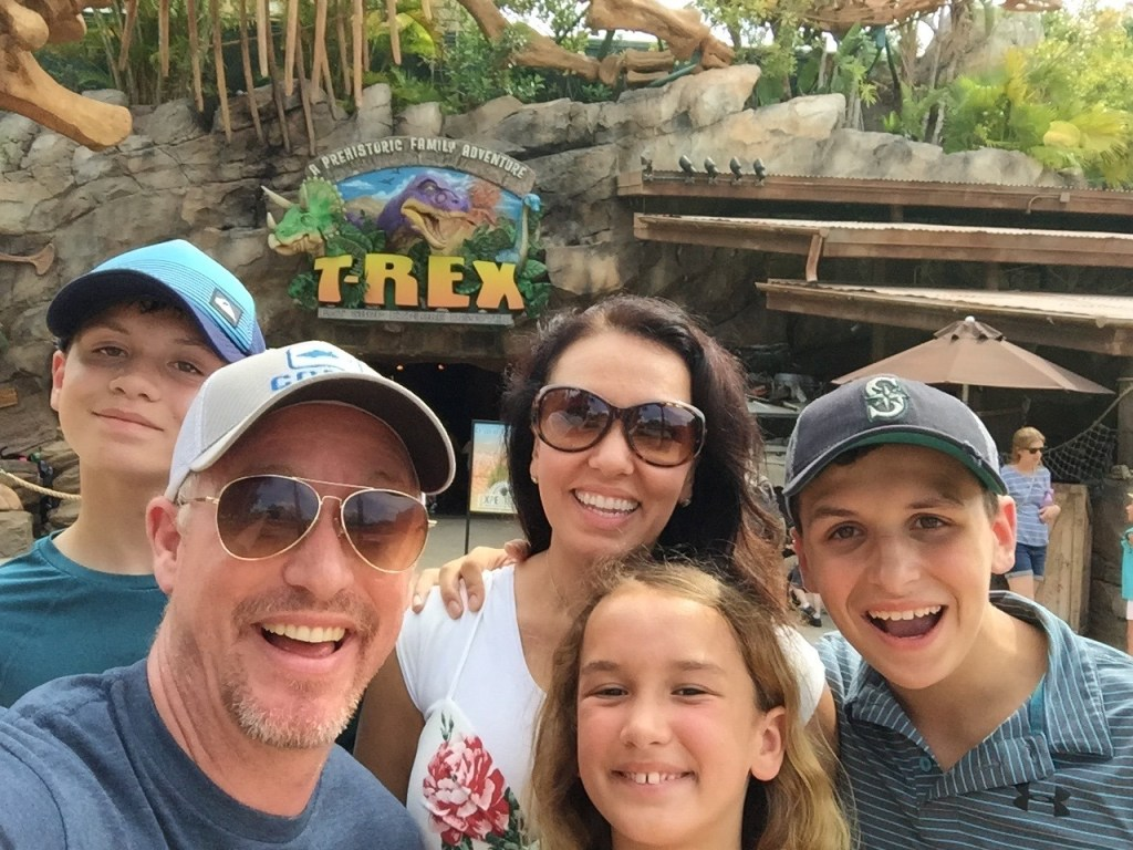 Is the T-Rex Cafe at Disneyland or Disney World