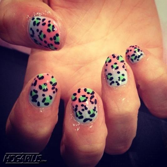 Fade away nail art design