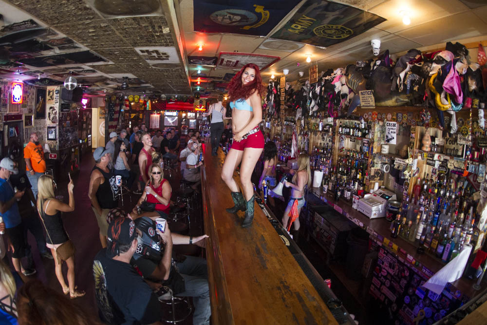 Hogs & Heifers Saloon_0045