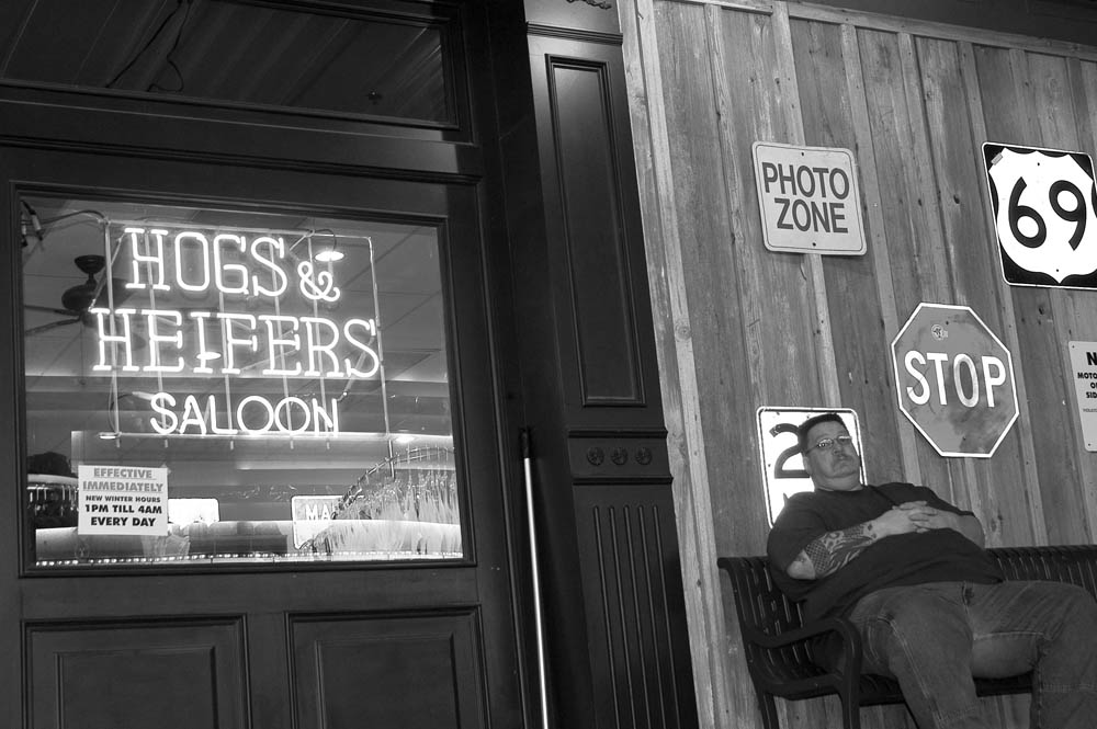 Hogs and Heifers Saloon_0002