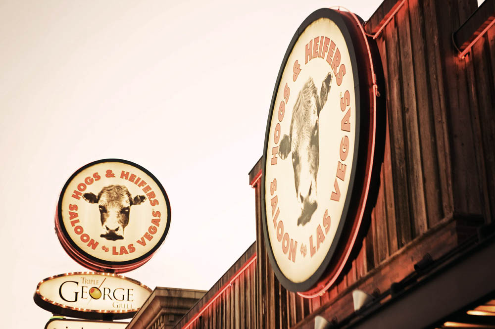 Hogs and Heifers Saloon_0006