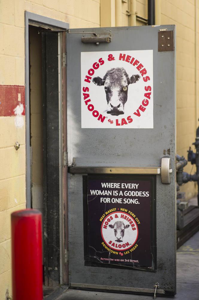 Hogs and Heifers Saloon_0008