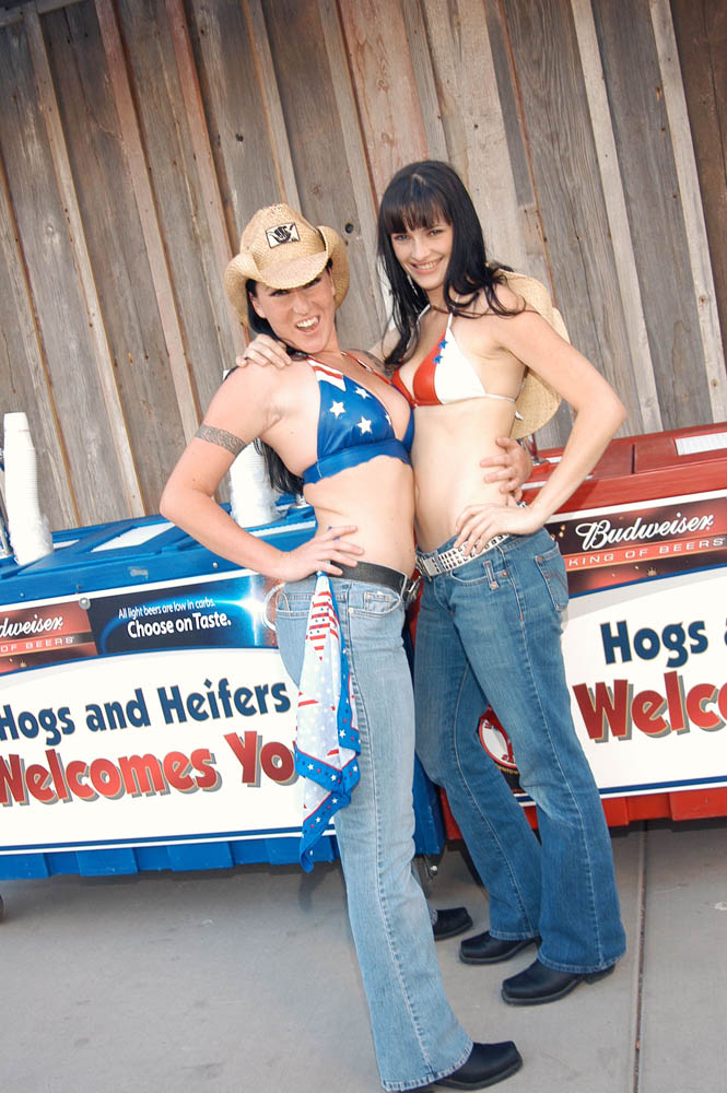 Hogs and Heifers Saloon_0010
